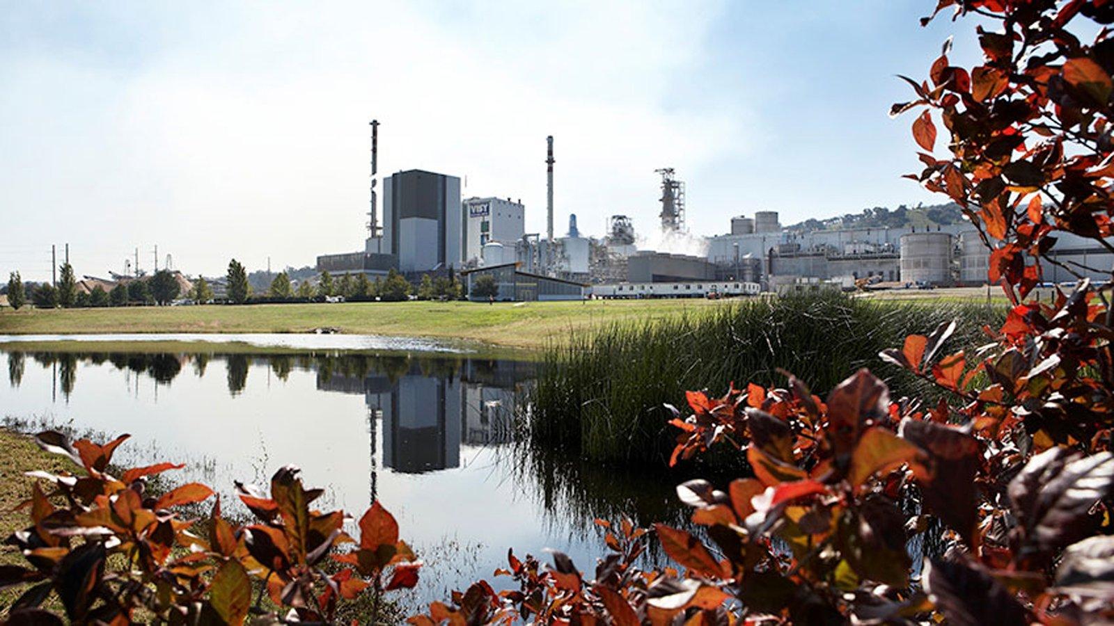 Visy社の製紙工場での紙生産の推進