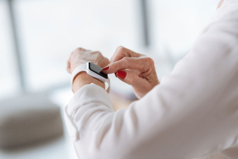 How Wearables are Solving the Frontline Dilemma
