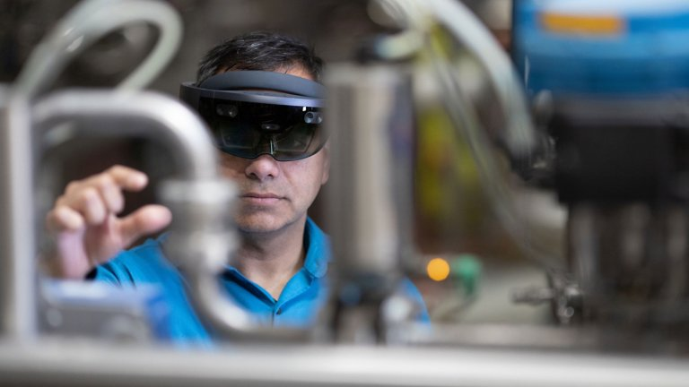 Empower Your Workforce and Help Reduce Downtime with Augmented Reality Services