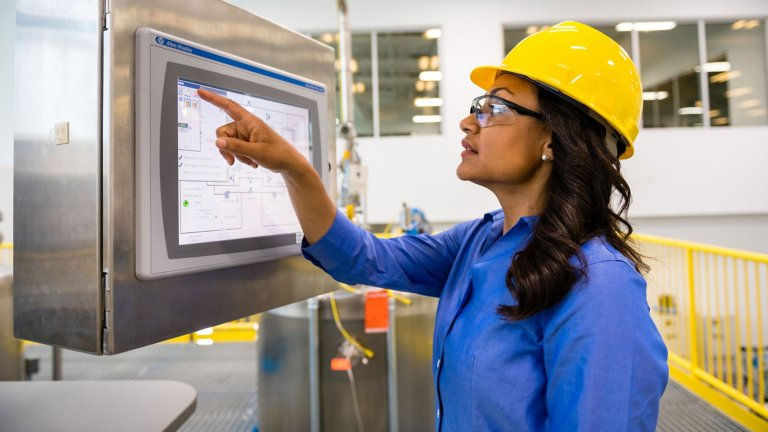 Achieve Your Objectives with Rockwell Automation® Visualization Solutions