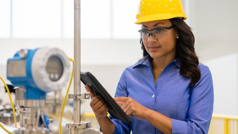 Worker explores the barriers and benefits of modernization, valuable methodologies, execution practices and tools that assist in planning, budgeting and replacing legacy DCS systems