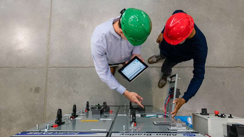 Discover how the Safety Automation Builder software tool helps guide engineers through steps of the machinery safety lifecycle in one environment.