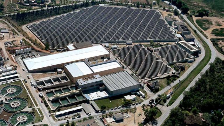 Bird's-eye view of water utility plant